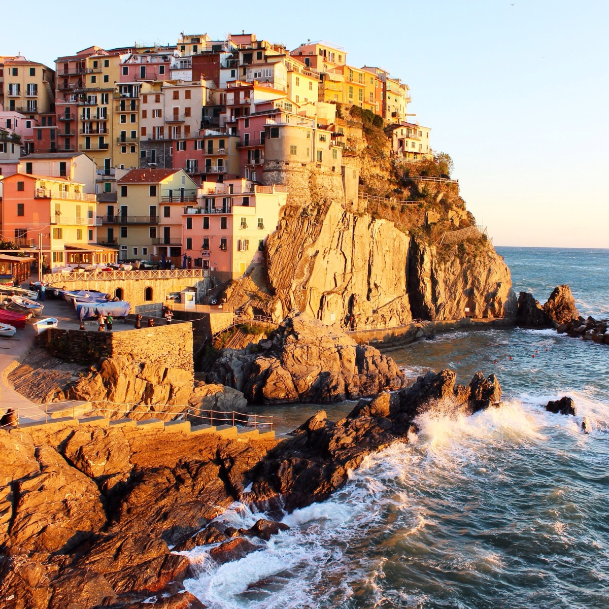Cinque Terre: A Gypsetter's Guide Through Hiking Through CT (Bikini.com)
